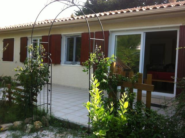 Villa et piscine Montpellier plage - Baillargues - Huis