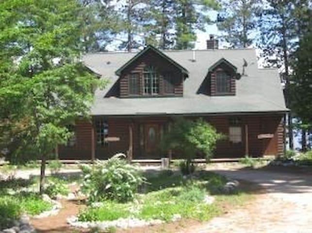 Perch Lake Lodge - Newberry - Дом