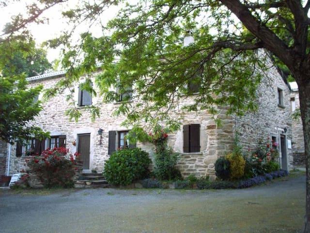 Maison proche des lacs et gorges - Prémian - Hus