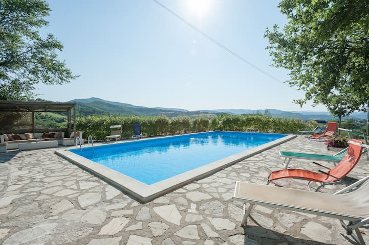 Charming Villa with Pool Umbrian/Tuscan border - Monte Santa Maria Tiberina