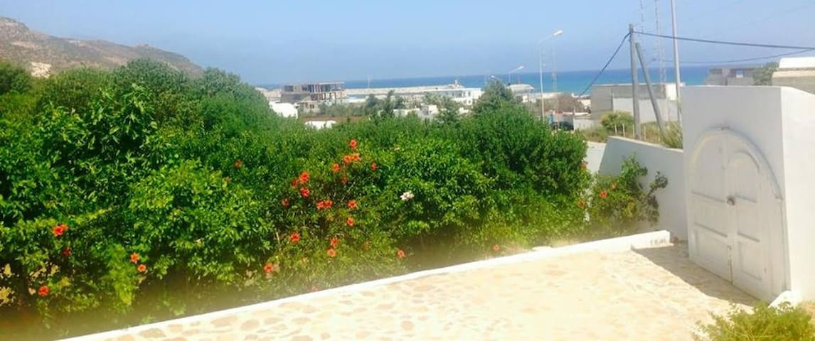 Villa bougainvillier - Al Huwariyah - Huis