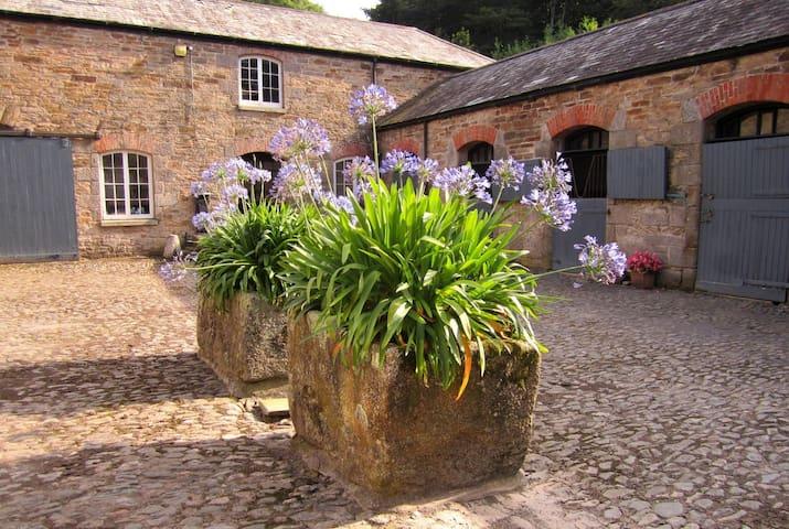 Cottage on Historic Cornish Estate - Redruth