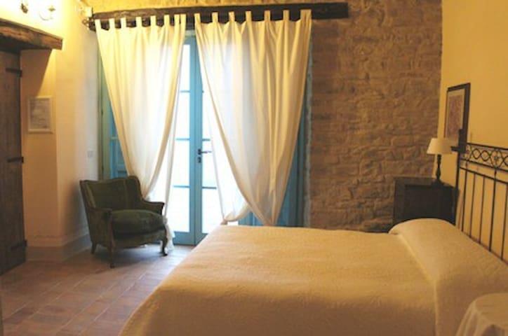Country charme Bedroom Marche B&B - Serra San Quirico