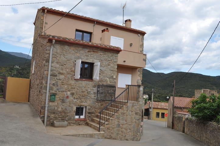 Casa en entorno rural para 8 o 9 - Cantallops - Huis