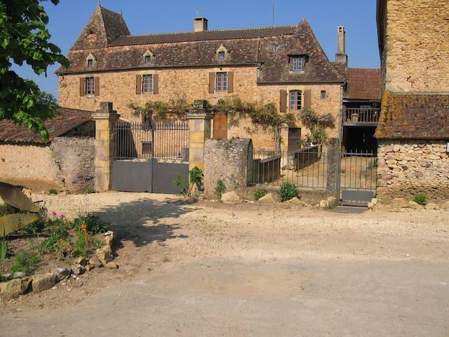 nice family room on the farm - Belvès - Casa