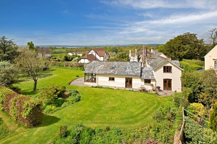 5 bed period house, large garden - Aylesbeare