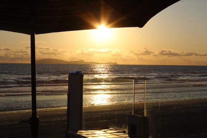 Rosarito Beach Front! On the Sand! Sleeps 25+ - Rosarito - Huis