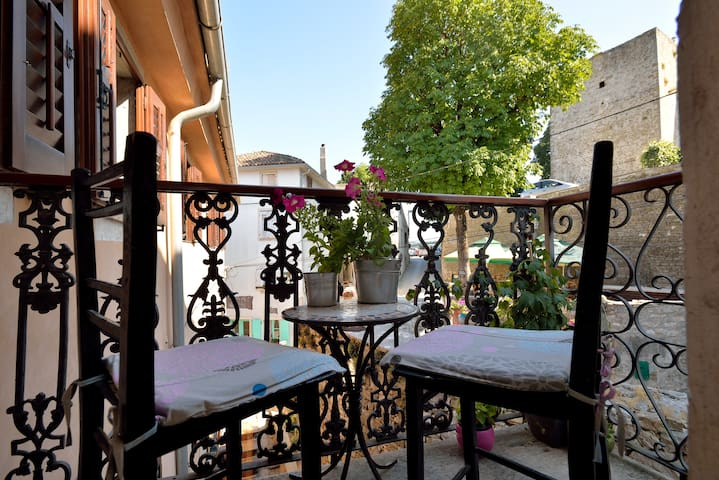 Amazing view and charming balcony - Motovun - Appartement