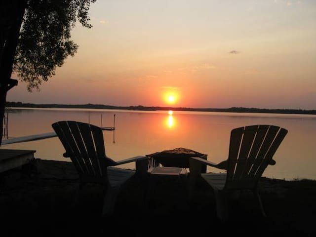 The Cottage on Clearwater Lake - Annandale