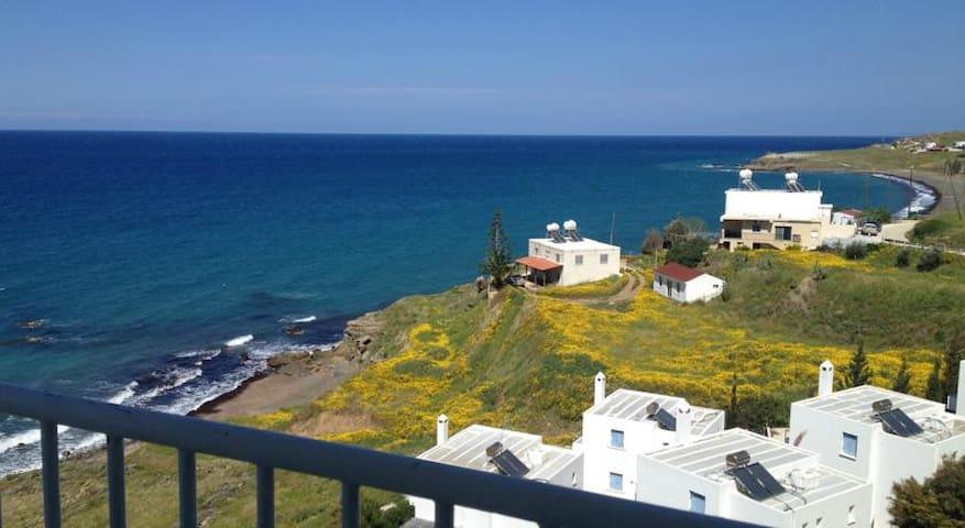 Top floor Apartment with sea view - Pachyammos - Leilighet