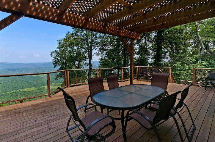 Couples Getaway Family Retreat CHATTANOOGA - Lookout Mountain - Casa