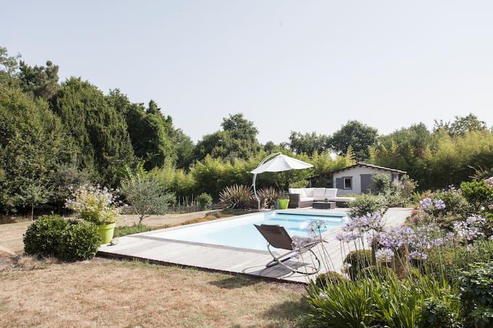 Chambre double, SDB & piscine - Bouliac - Hus