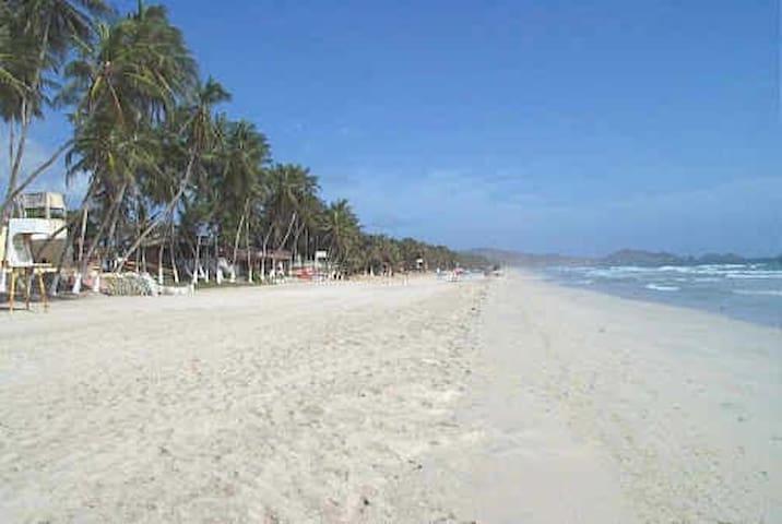 Walk to Playa El Agua - La Mira - Appartement