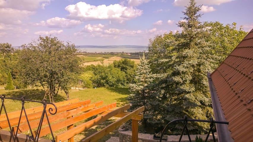 Balaton-felvidék, Hegyestű - emelet - Monoszló - Daire