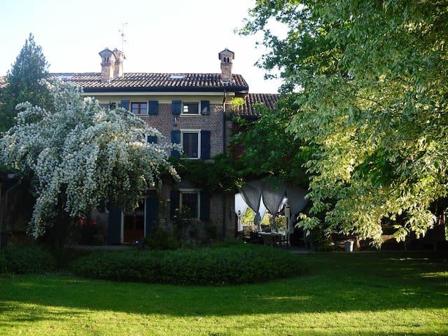 Un'oasi di pace in aperta campagna - Monticelli pavese