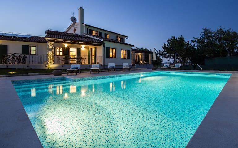 New modern Villa Adriana with private pool - Hrboki - Villa