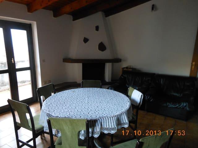 montagne di Vallecamonica 1000 mslm - Ossimo Superiore - Appartement