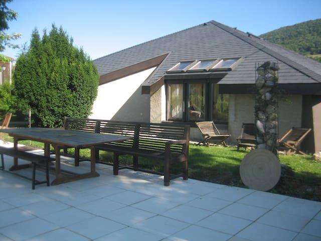 Villa d'architecte de plein pied avec piscine - La Murette - 獨棟