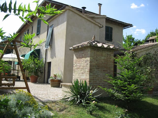 Quiet b & b in Montalcino, Tuscany - Stazione Sant'angelo-cinigiano - Pousada