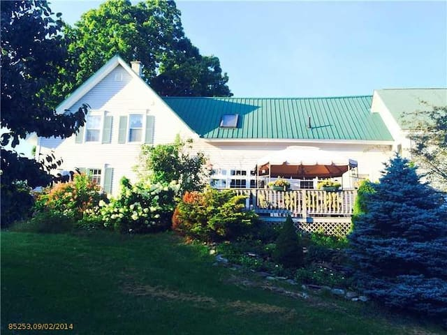 Renovated Historic Farm House - Vassalboro - Huis