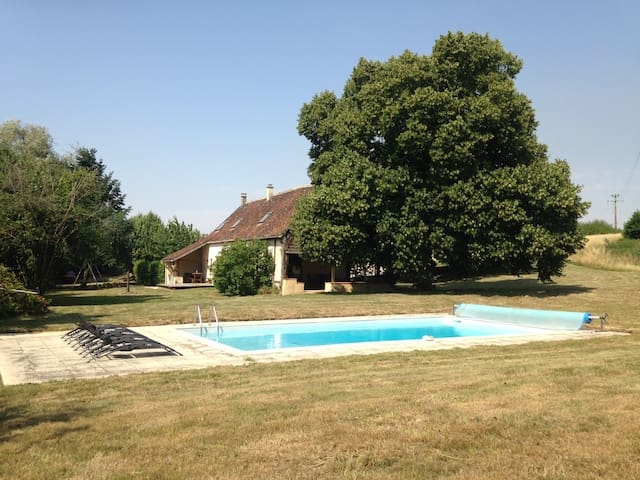 Big house with private pool - Lamnay - Huis