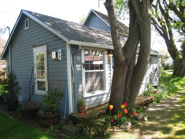 The Enchanted Cottage  - スプリングフィールド