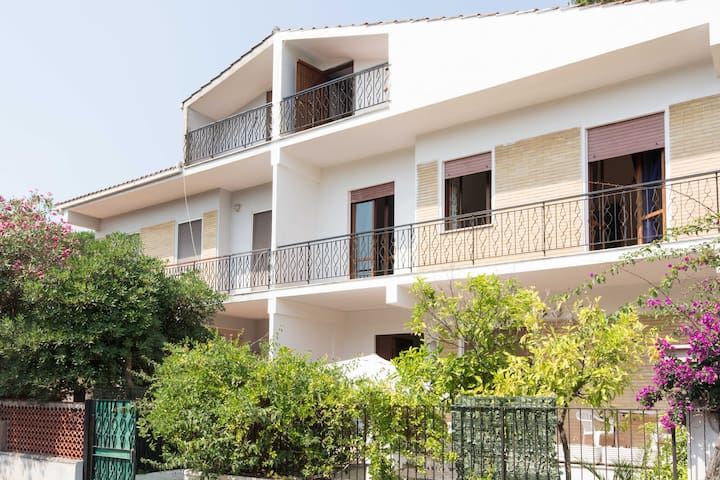 Cottage a stone's throw from the sea - Terracina - Rumah