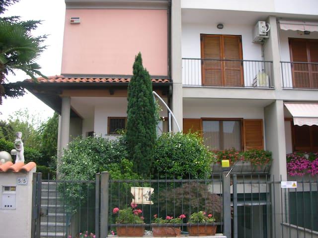 villa signorile a 10 min. da Milano - Robbiano - Dom