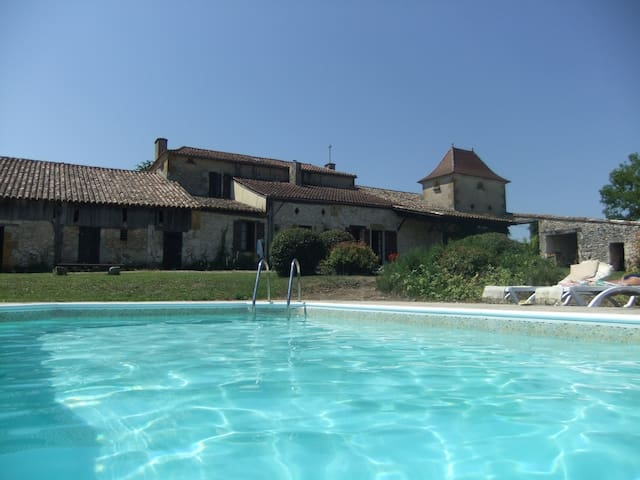 Country house with private pool 8+ - Tourliac - Hus