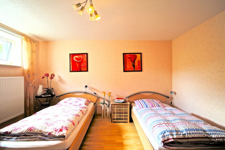 ID 4627   Twin room with bathroom wifi - Sarstedt - Rumah