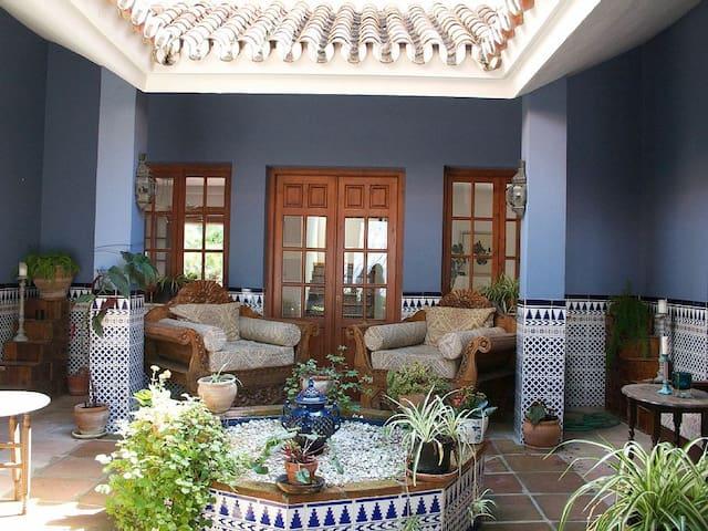 Moroccan Style Finca with Patio - Alhaurín el Grande