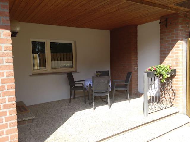 Zimmer lI, EZ in kleinem Haus - Gifhorn - Huis