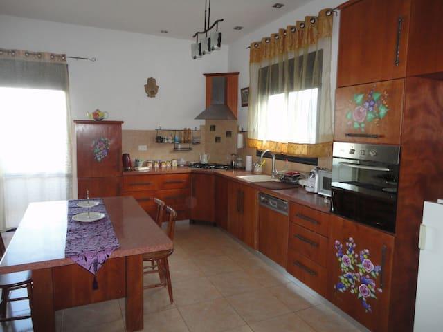 Dreamy Location for Northern Trips - Qiryat Shemona