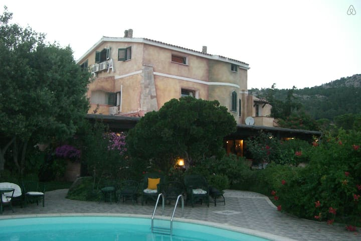 B&B a pochi km dal mare - Olbia - Bed & Breakfast