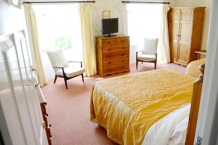 Rooms 3&4 w/Breakfast! Belmont Hall - Newry - Bed & Breakfast
