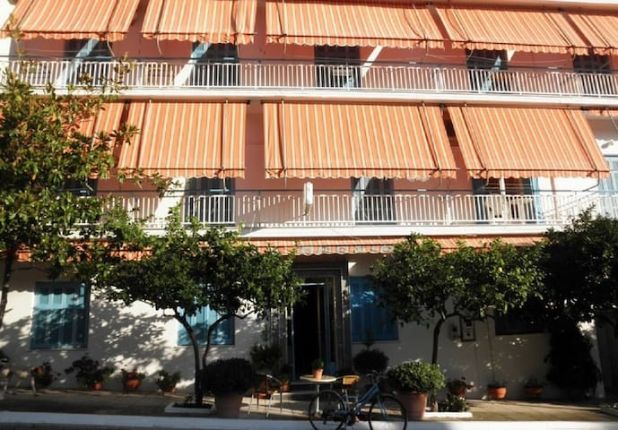 Hotel Drosia - Loutra Edipsou - Bed & Breakfast