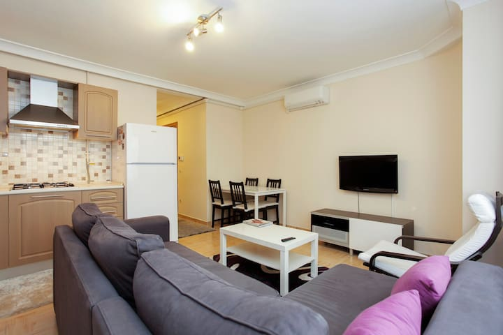 Furnished 1-Bedroom Apartment - Sisli - Huoneisto