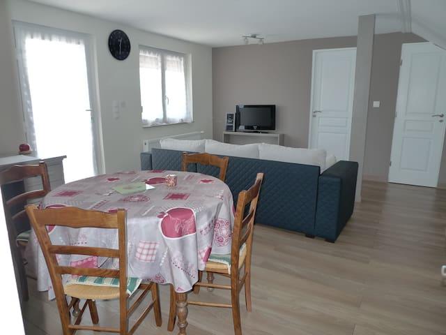 Apt spacieux et confortable  87M2 - Ettendorf - Apartamento