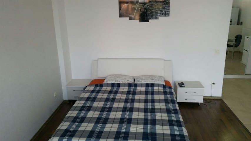 Luxury Studio in Residential Area - Voluntari - Appartement