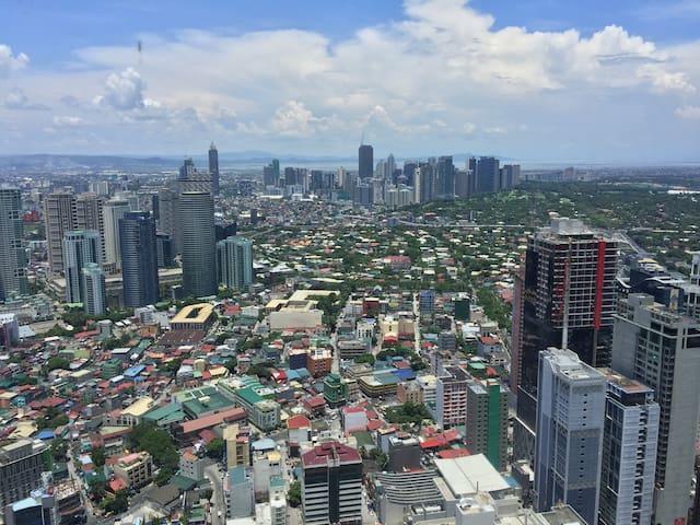 Beautiful view from 53F - Knightsbridge - Makati - Apartament