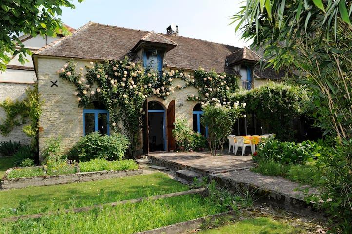 Maison de charme en Champagne - Virey-sous-Bar - Huis