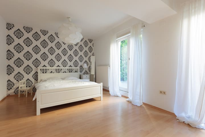 Walluf- Private Studio Flat, 35 sm - Walluf - Departamento