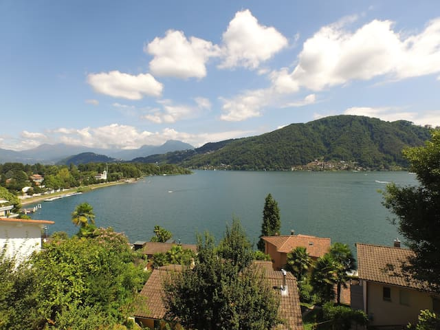 APARTMENT WITH LAKE VIEW - Caslano - 公寓