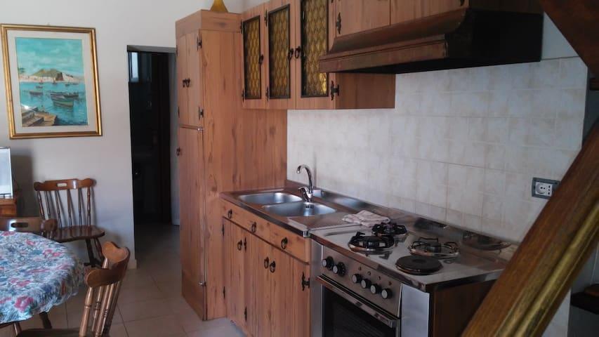 La casa col soppalco - Bova Marina - Huis