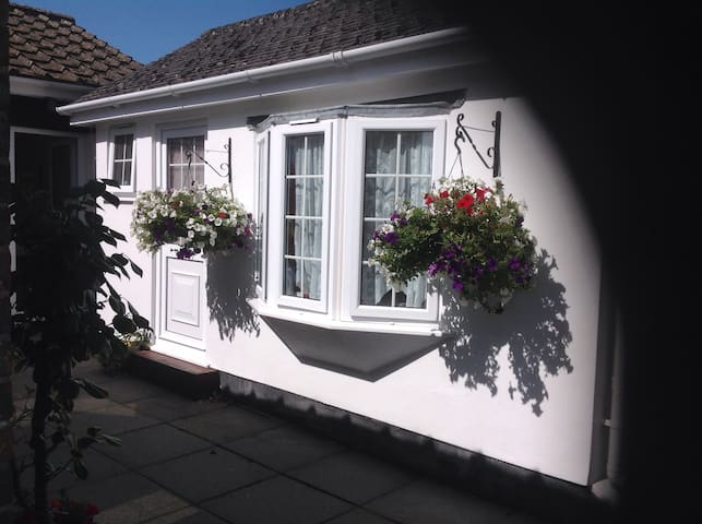 Self contained double room en suite - Rock - Dom