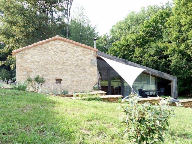 Landelijk gelegen, comfortabel natuurstenen huisje - Saint Front sur Lémance - Ev