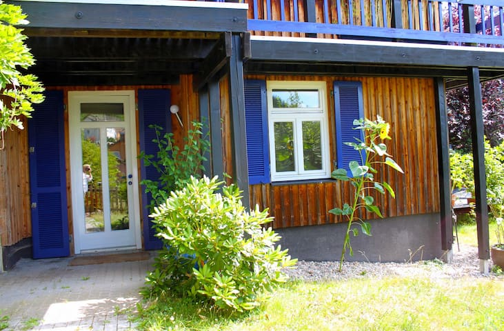 Sonnige Ferienwohnung mit Terrasse - Bad Wildbad - Appartement