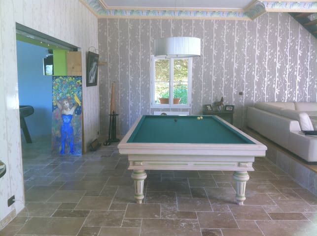 Chambre spacieuse confortable - La Riche - Bed & Breakfast