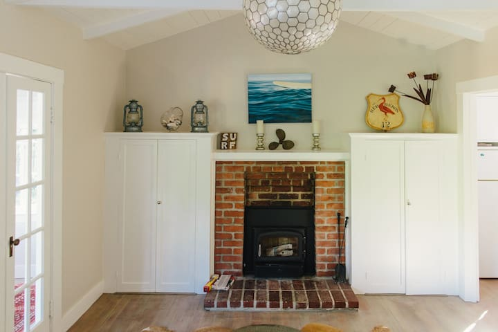 Romantic Beach Cottage with Hot Tub - Bolinas - Maison