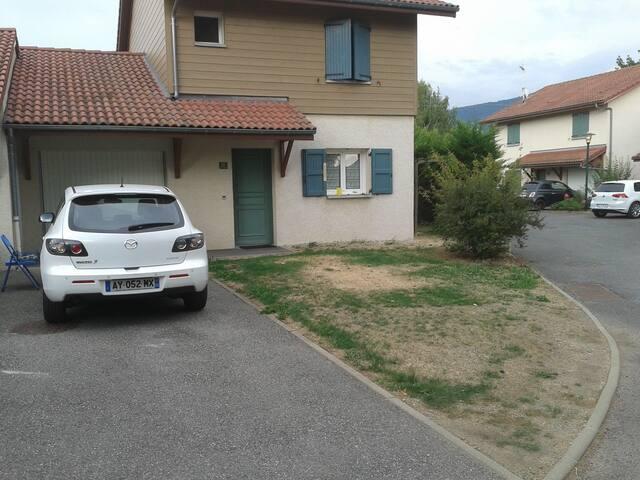 Très jolie maison Lac & Montagne - Bons-en-Chablais - Hus